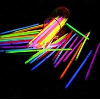 Glow Sticks 50 Glow Sticks in Mixed Colours GLOW IN DARK Bracelets PARTY SUPPLIES GN ENTERPRISES
